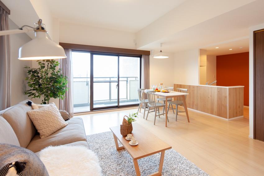 約20畳のリビングダイニングキッチン・80㎡超・天井高2.8mの3LDK×空地率65%のゆとりある空間