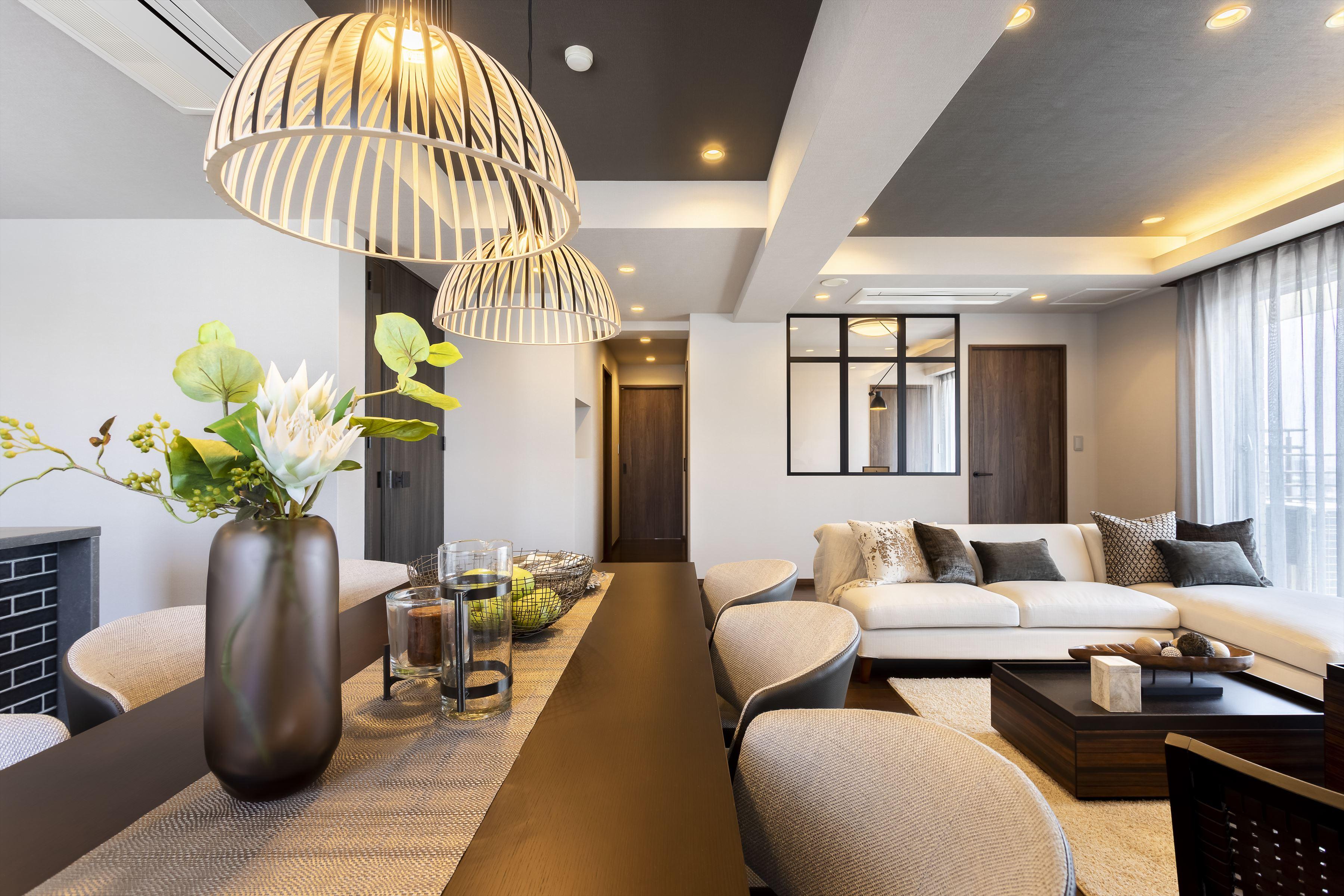 神戸エリアを一望×ブラックウォルナットを基調とした上質なデザイン